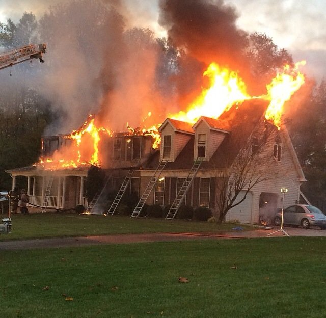 Engine Company Runs 2 Alarm Fire in Dentsville